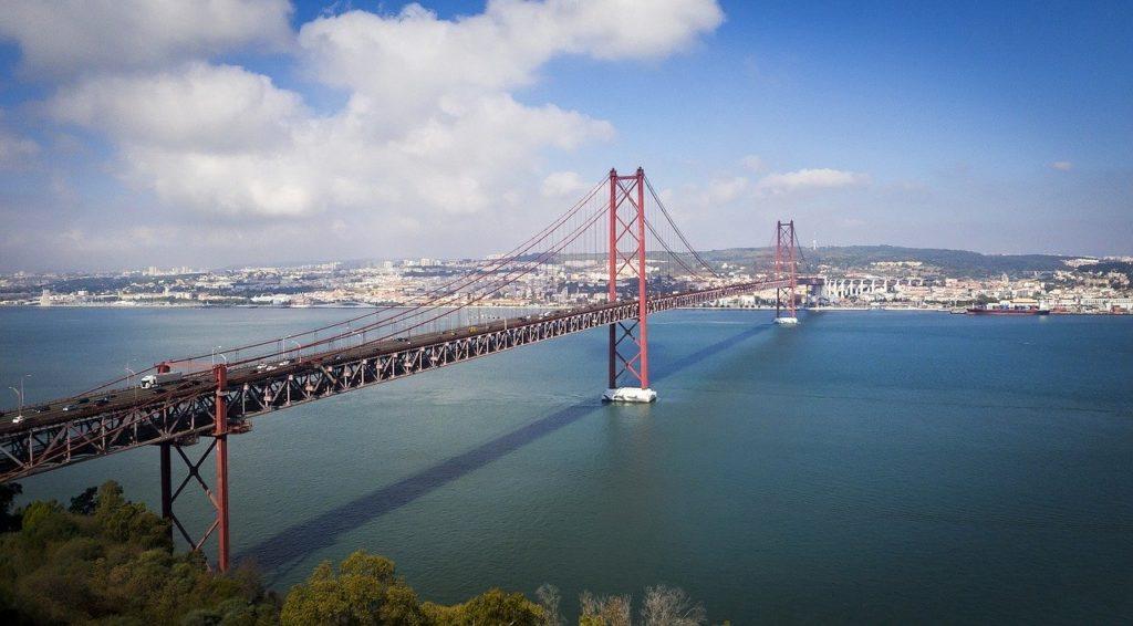 Ponte 25 de April Lissabon