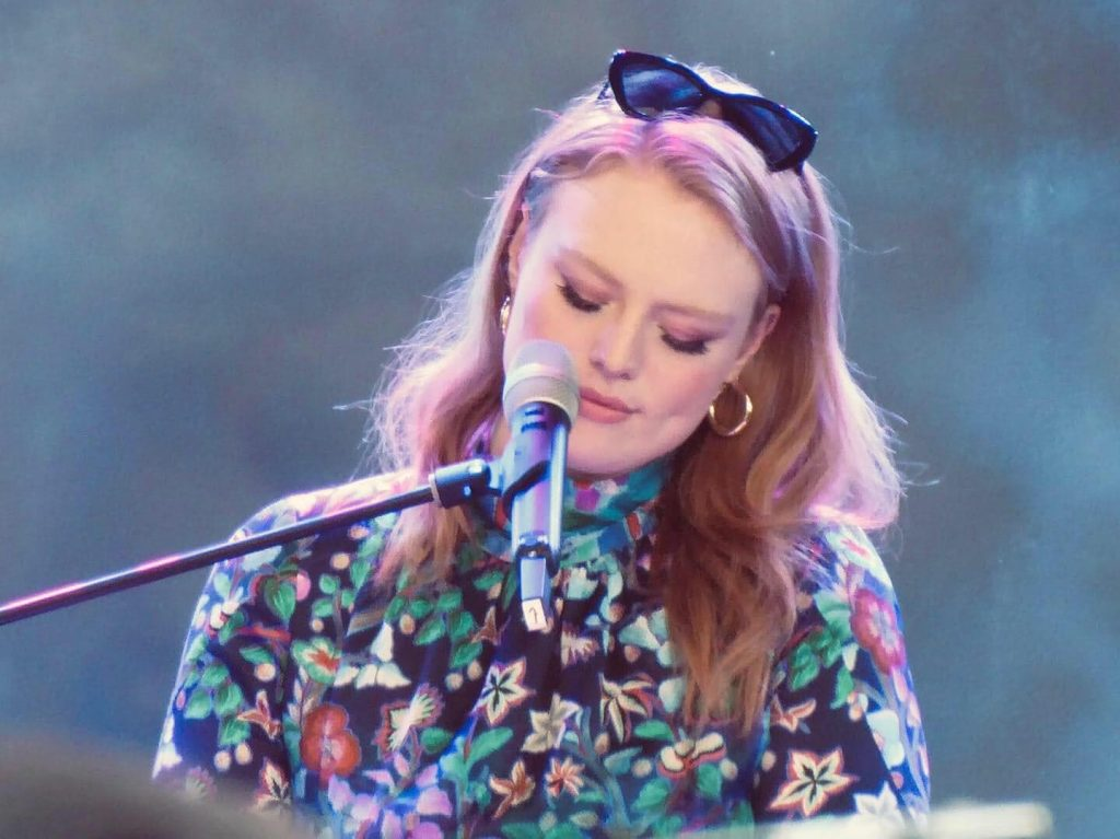 Freya Ridings beim SWR 3 New Pop