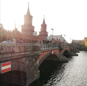 Die Oberbaumbrücke in Berlin Friedrichshain