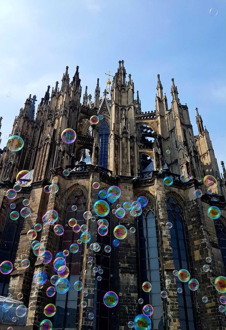 Der Kölner Dom Seifenblasen