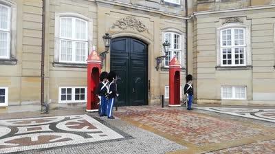 Wachablöse im Schloss in Kopenhagen